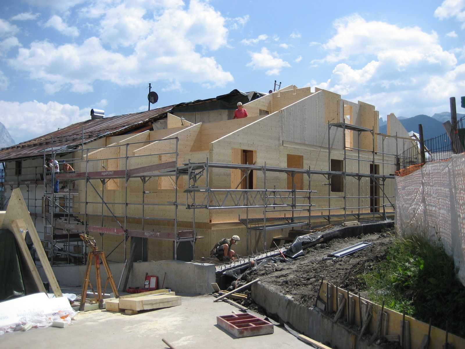 Mortisa cortina d 39 ampezzo mauro valleferro architetto for Progetti di piani casa fienile